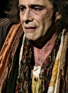 Camille Claudel, une des premières femmes sculpteurs, accepte de se livrer au ciseau de Charles Gonzalès, auteur et interprète. Un grand moment de théâtre.
